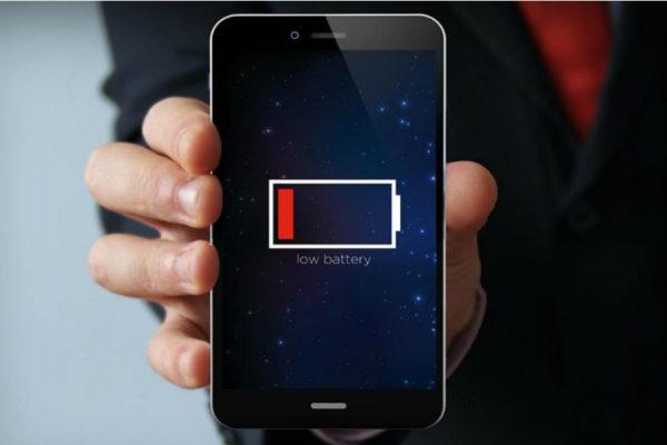 Uno smartphone carico per settimane? Alla NASA si studiano le batterie del futuro
